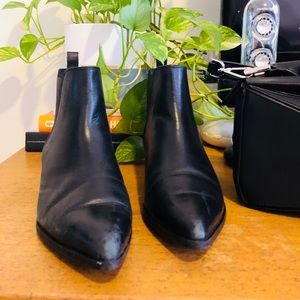 & Other Stories Classic Chelsea Boots